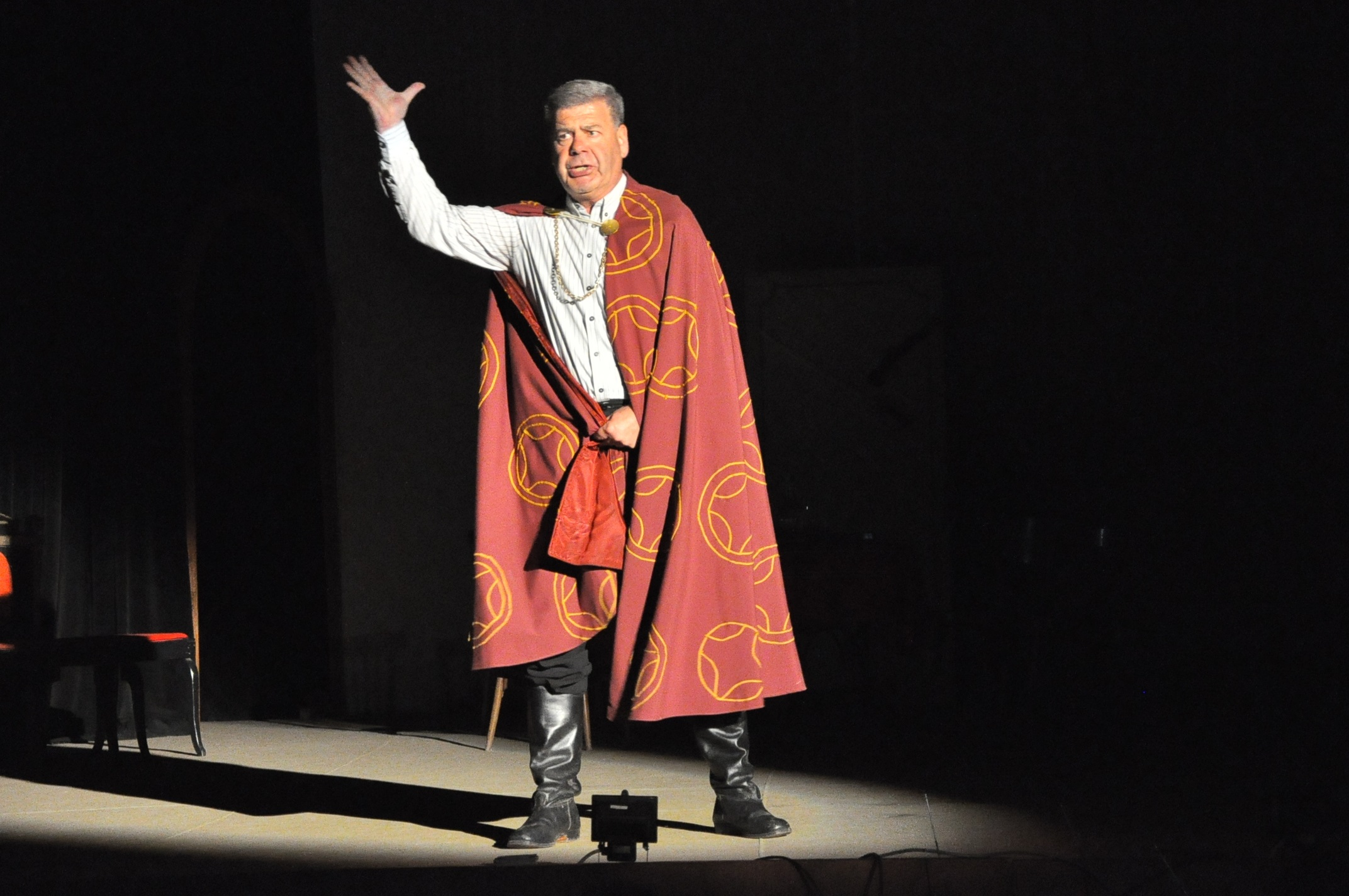 115г. театър 2010